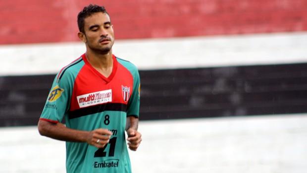 Atacante Naoh marca duas vezes e se destaca no primeiro jogo-treino do Botafogo-SP (Foto: Cleber Akamine / globoesporte.com)