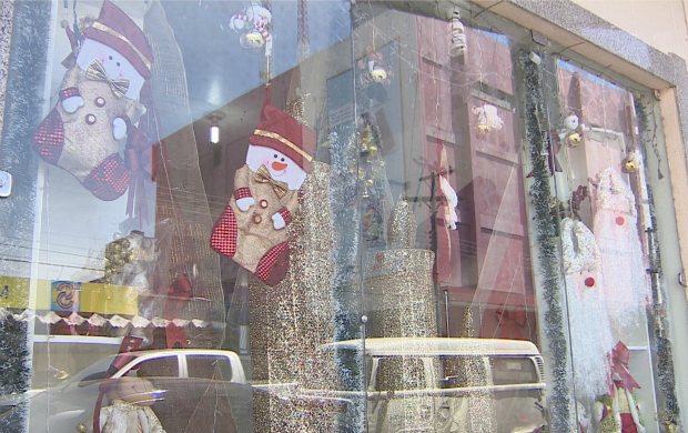 Comerciantes apostam em datas comemorativas para lucrar em meio à crise (Foto: Bom Dia Amazônia)