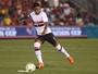 Michel Bastos agradece a Bauza por ter sido capitão em jogo no Paraguai