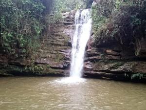 Cachoeira em Santana do Garambéu (Foto: Corpo de Bombeiros/Divulgação)