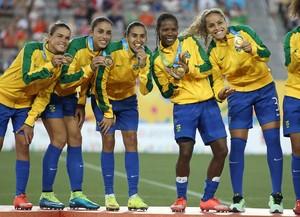 Brasil ouro futebol feminino pan-americano 2015  (Foto: Tom Szczerbowski/Reuters)