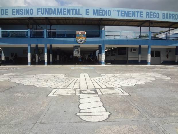 Um total de 1.540 alunos está matriculado na escola que oferece ensino fundamental e médio. (Foto: Luana Laboissiere/G1)