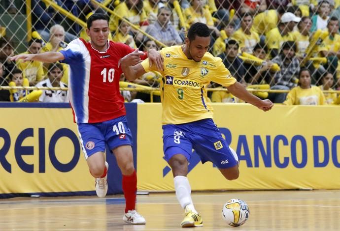 O pivo Je da Intelli Futsal e Sele Bras de Futsal (Foto: Divulgação/Nilton Rolim)