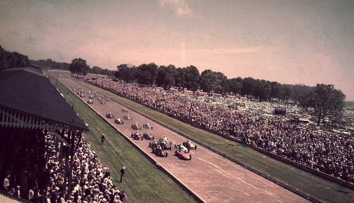 Largada da Indy 500 em 1952, quando corrida histórica fazia parte do calendário da F1 (Foto: Getty Images)