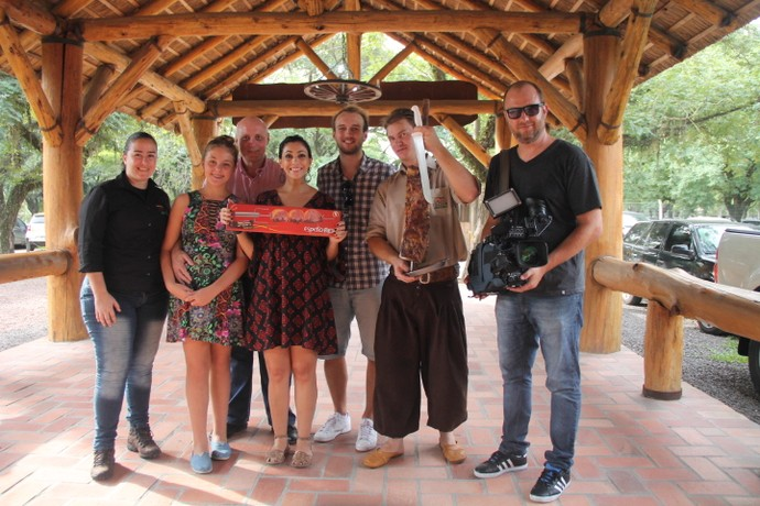 Espetoflex Espeto Movido a pilha Mistura com Rodaika Cris Silva Luciano Kaefer (Foto: Maicon Hinrichsen/RBS TV)