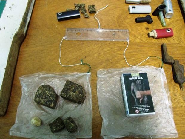 Balança artesanal era utilizada para pesar drogas no presídio do Serrotão (Foto: Divulgação/Seap)