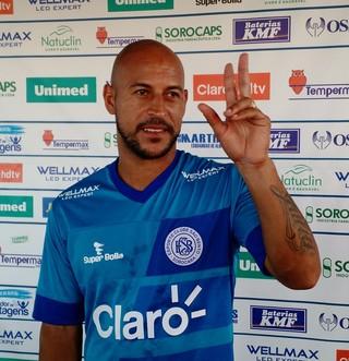 Rodriguinho, atacante do São Bento (Foto: Emilio Botta)