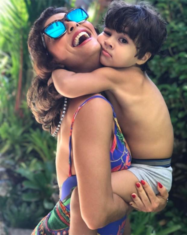 Juliana Paes com o filho, Antônio (Foto: Reprodução/ Instagram)