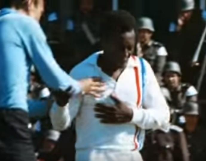 Pelé Fuga para a Vitória (Foto: Reprodução/YouTube)