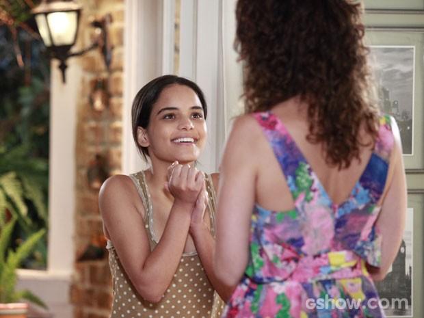 Gorete pede a Juliana para ficar no trabalho com o namorado (Foto: Ellen Soares / TV Globo)