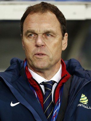 Osieck, técnico da Austrália (Foto: Reuters)