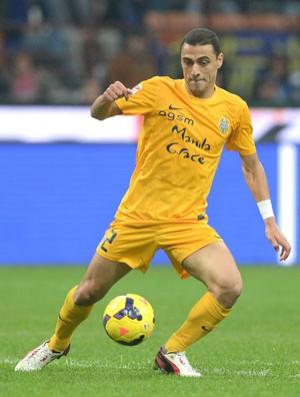 84053f5727 Prandelli chama brasileiro para testes físicos da Itália na próxima ...
