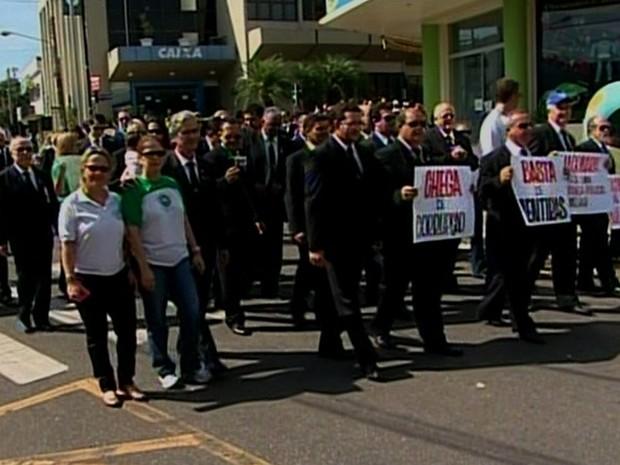 Maçons protestaram contra a corrupção em Catalão, Goiás (Foto: Reprodução/TV Anhanguera)