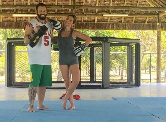 Flávia Alessandra em hora fitness (Foto: Instagram)