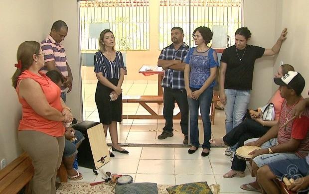 Servidores levam atividades educativas e de entretenimento para moradores do abrigo Dona Elza (Foto: Acre TV)