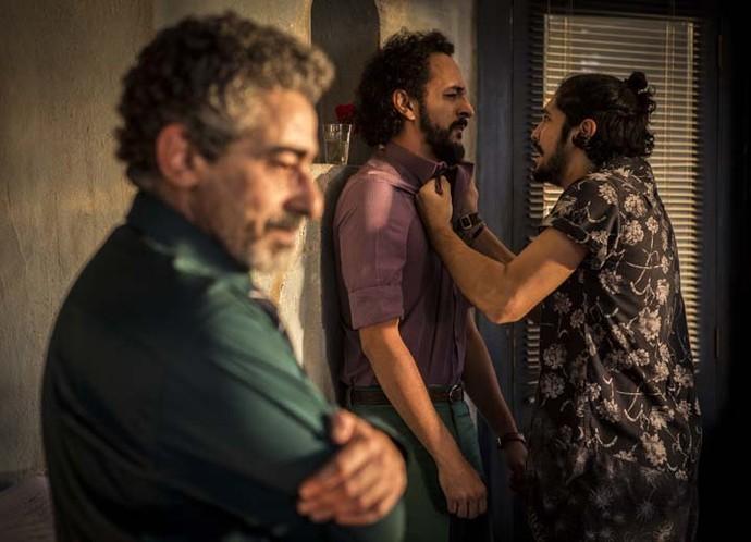 Miguel fica descontrolado com notícia do delegado Germano (Foto: Inácio Moraes/Gshow)