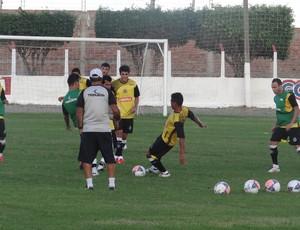 ASA treino tático (Foto: Leonardo Freire/GLOBOESPORTE.COM)