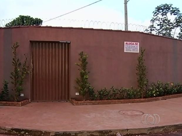 Menino se afogou em piscina de casa de festas em Itumbiara, Goiás (Foto: Reprodução/ TV Anhanguera)