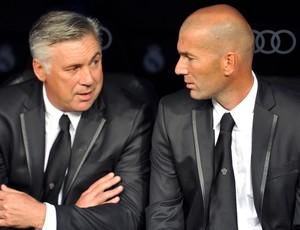 Carlo Ancelotti e Zinedine Zidane Real Madrid (Foto: AFP)