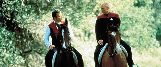 Kirk e Picard se encontram em 'Jornada nas estrelas: Generations' (Foto: Divulgação)