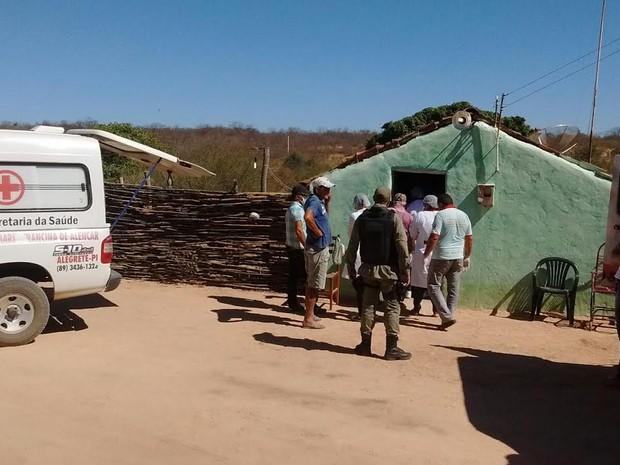 Chacina ocorreu por volta das 20h da terça-feira (18) em comunidade rural (Foto: Renan Nunes/TV Clube)