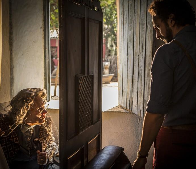 Encarnação se encontra com Bento (Foto: Inácio Moraes/ Gshow)