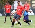 Com Donatti e Damião, Flamengo vence jogo-treino no Ninho do Urubu