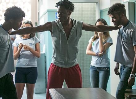 Toni Garrido estreia em 'Totalmente Demais'