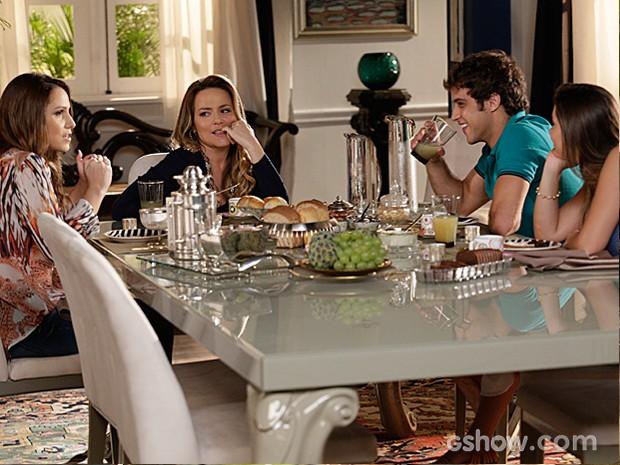 Shirley lembra de como o músico era louco por Helena na juventude (Foto: Fábio Rocha / TV Globo)
