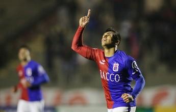 Insistente, Robson inferniza Ceará e marca oitavo gol pelo Paraná Clube