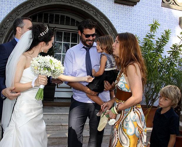 Os casais se cumprimentaram (Foto: Alex Palarea/AgNews)