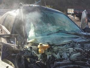 Acidente foi na BR-494 próximo ao trevo de Itapecerica (Foto: Cledson Ferreira/Divulgação)