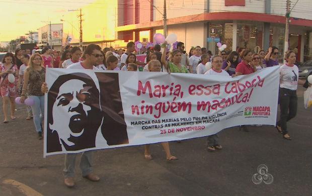 Marcha das Marias nas ruas de Macapá (Foto: Reprodução/TV Amapá)