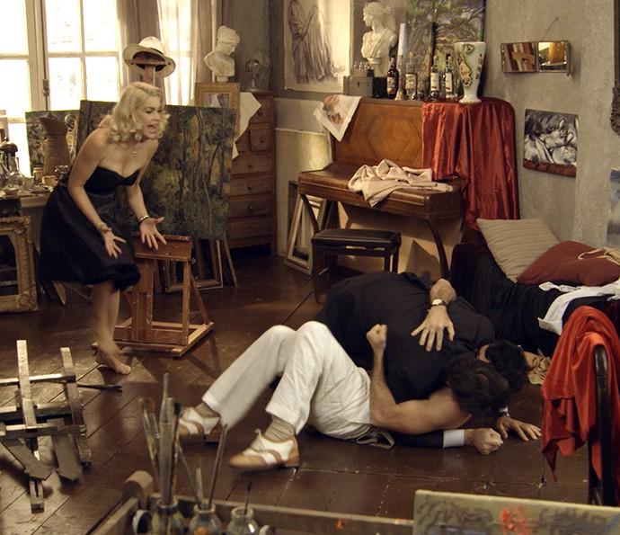 Sandra se desespera ao ver a briga (Foto: TV Globo)