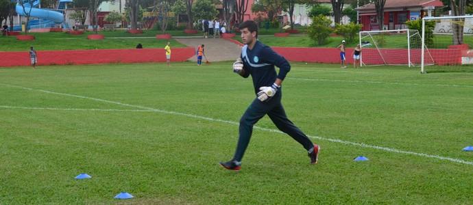 Léo é um dos três goleiros inscritos para defender o Verdão na Copinha  (Foto: Angelo Tedeschi)