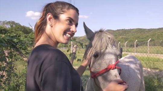 Giovanna Lancellotti ajuda a resgatar cavalo abandonado no 'Estrelas Solidárias'