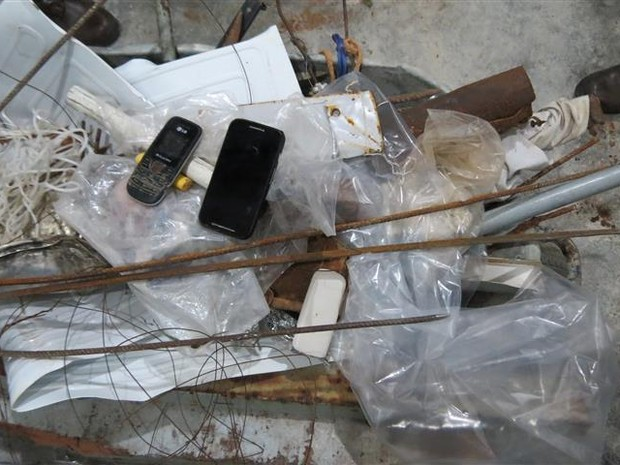 Ao todo foram encontrados 144 itens proibidos (Foto: Divulgação/Marinha do Brasil)