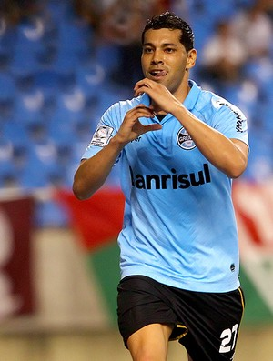 Andr&#233; Santos comemora gol do Gr&#234;mio contra o Fluminense (Foto: Lucas Uebel / Site Oficial do Gr&#234;mio)