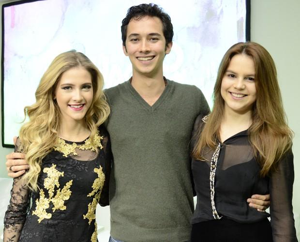 Gabriel Falcão na época em que vivia o personagem Ben, em Malhação, ao lado de Hanna Romanazzi e Bianca Salgueiro (Foto: Estevam Avellar / TV Globo)
