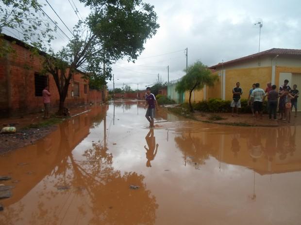 situação ruas canelas (Foto: Cida Santana/G1)