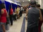 Trabalhadores enfrentam filas no sábado de saque antecipado do FGTS