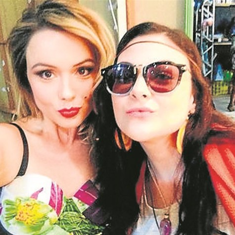 Graziela Schmitt e Raquel Fabbri gravam 'Trair e coçar é só começar' (Foto: Divulgação)