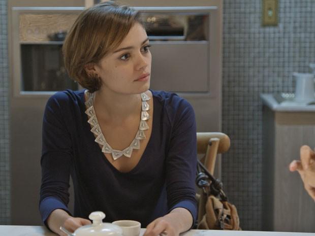 Alice fica chocada com revelação de Wilma (Foto: TV Globo)