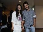 Nando Rodrigues curte show com a namorada