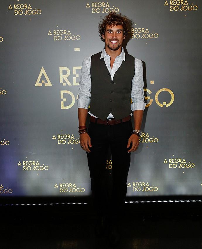 Felipe Roque vai dar vida ao playboy Kim. O personagem será irmão de Luana, vivida por Giovanna Lancellotti  (Foto: Raphael Dias/Gshow)