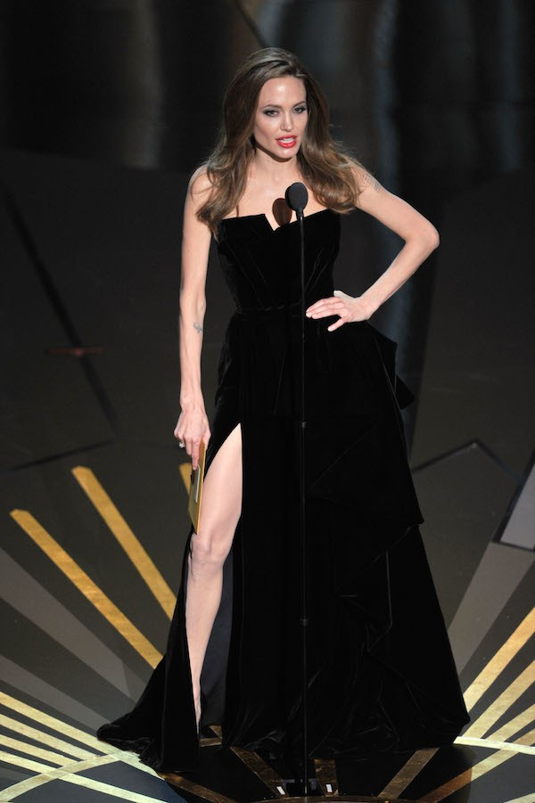 A atriz Angelina Jolie no Oscar 2012 (Foto: Getty Images)