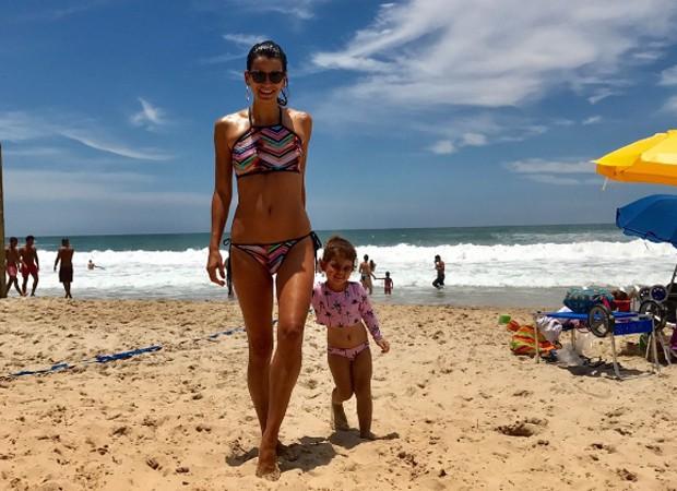 Fernanda Motta e a fiçlha, Chloé (Foto: instagram / reprodução)