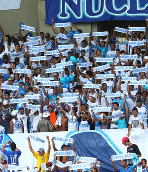 Com mando de campo a favor, torcida do CSA compareceu e fez a festa no Estádio Rei Pelé (Foto: Jonathan Lins / G1)