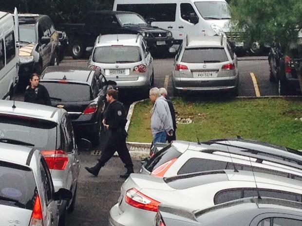 Pedro Corrêa, ex-deputado que também foi preso na Operação Lava Jato, saiu da carceragem da PF e foi tranasferido para o Complexo Médico-Penal do Paraná (Foto: Dulcineia Novaes / RPC)