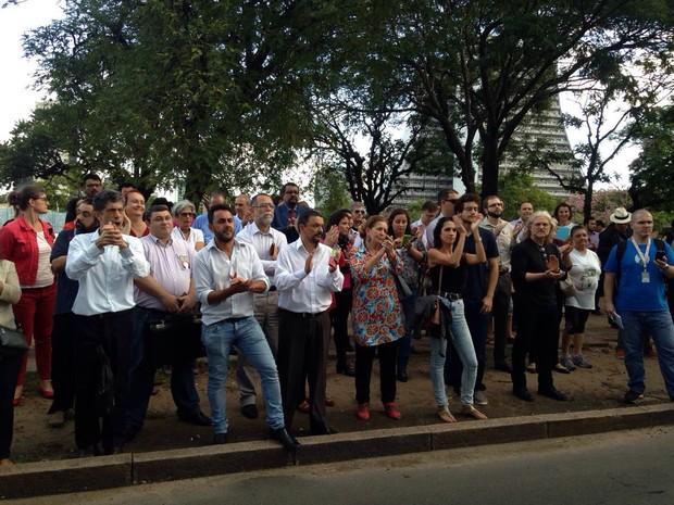 Movimento é contra novo impeachment de presidente (Foto: Roberta Salinet)